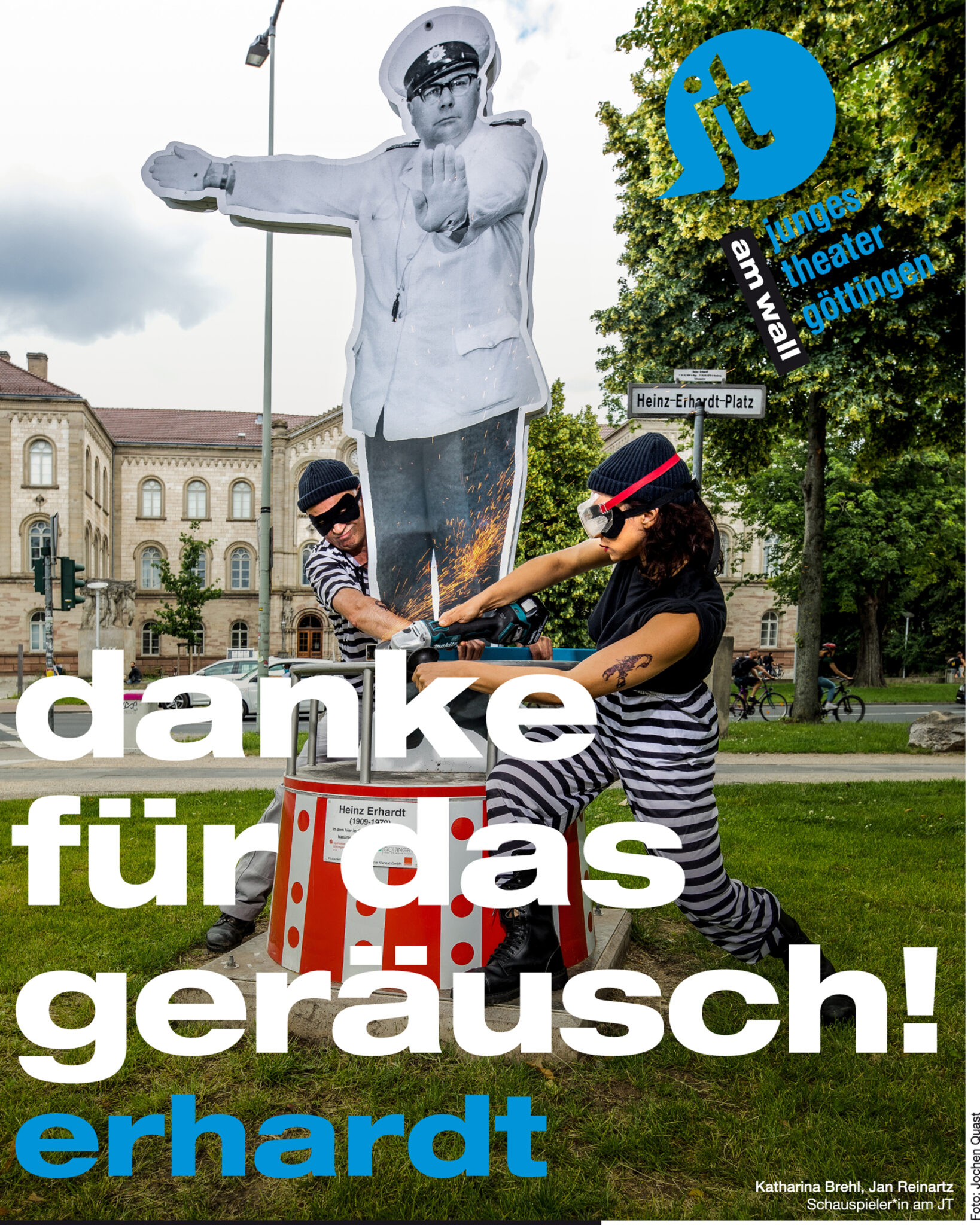 https://www.junges-theater.de/wp-content/uploads/2020/07/Plakat_Dankef%C3%BCrdasGer%C3%A4usch-scaled.jpg